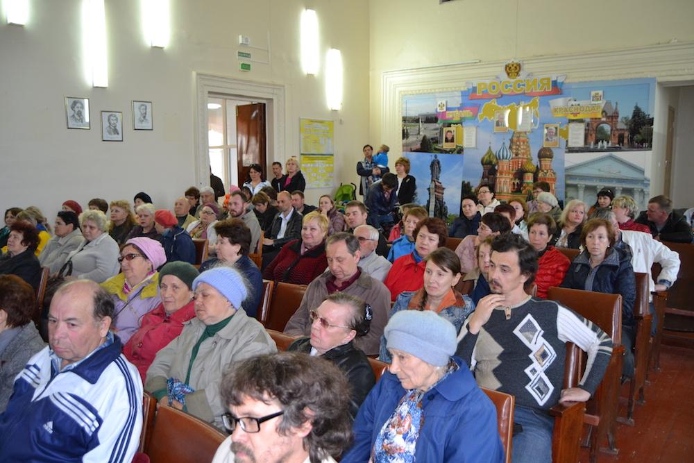 Жители Пашковского на встрече с мэром Евлановым