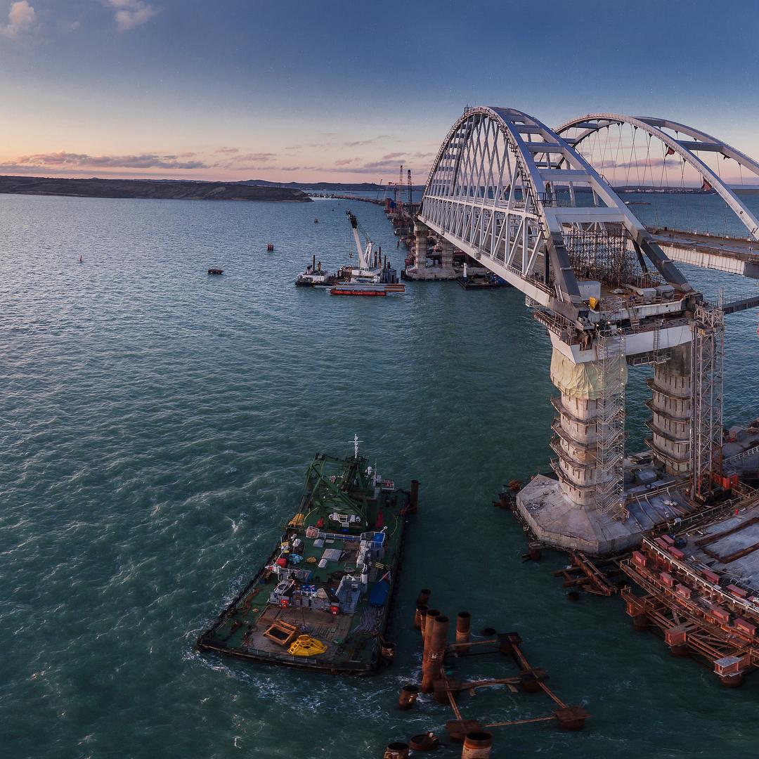 картинки крымского моста сегодня царит